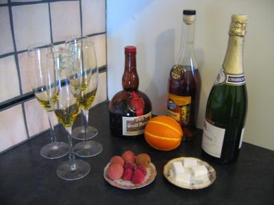 Ingrédients pour la recette : Cocktail au champagne