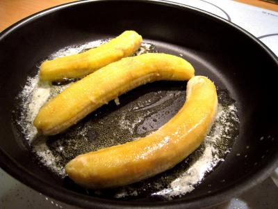 Bananes au vin rouge et chantilly - 1.2