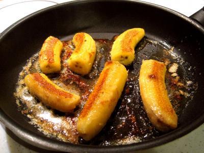 Bananes au vin rouge et chantilly - 1.4