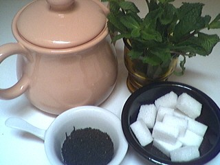 Ingrédients pour la recette : Thé à la menthe