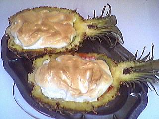 Cuisson au four : Ananas farci et meringué