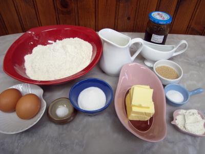 Ingrédients pour la recette : Beignets fourrés à la confiture