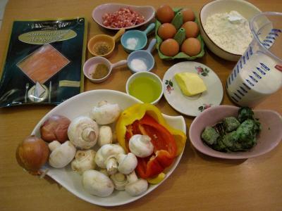Ingrédients pour la recette : Crêpes aux épinards, aux champignons et son saumon fumé
