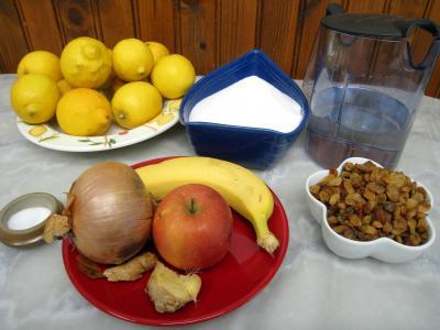 Ingrédients pour la recette : Chutney aux citrons et aux fruits