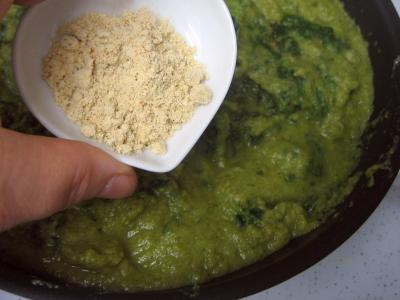 Cassolettes d'oeufs aux restes de purée de brocolis - 2.2