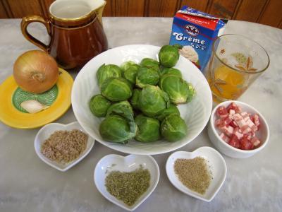 Ingrédients pour la recette : Choux de Bruxelles à la crème