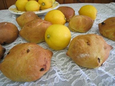 curcuma : Pain au citron aux noix de cajou et raisins secs