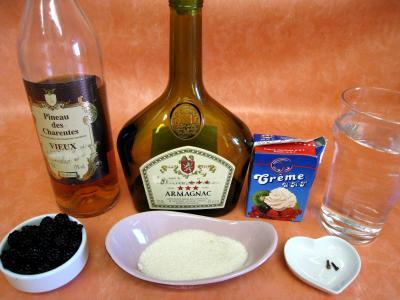 Ingrédients pour la recette : Cocktail de crème de mûres à l'armagnac