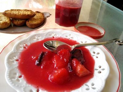 Recette Coupelle de confiture de prunes et de pommes à la crème
