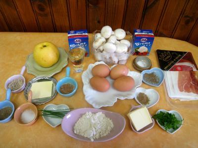 Ingrédients pour la recette : Gâteau de Pâques aux champignons et au jambon de Parme