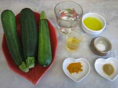 Ingrédients pour la recette : Courgettes au cumin et au pastis