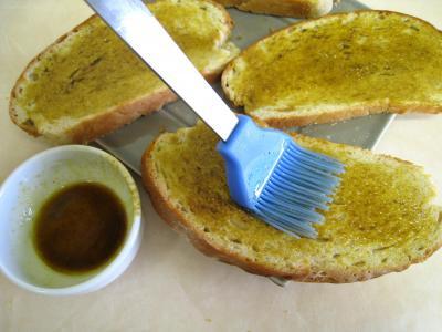 Croûtes à la mozzarella et aux oignons - 3.1
