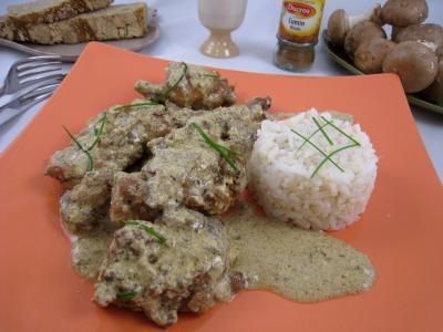 yaourt nature : Assiette de lapin à la grecque