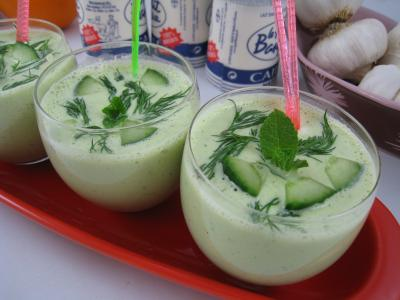 Recette Tzatziki ou Concombre au yaourt à la grecque (Tzaziki)
