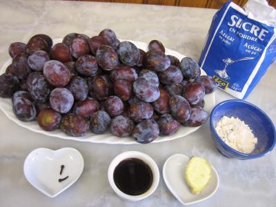 Ingrédients pour la recette : Gelée de prunes au gingembre