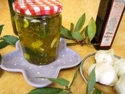 Image : huile aromatique pour pizza en pot