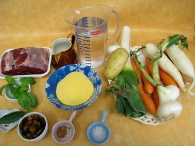 Ingrédients pour la recette : Jarret de boeuf en pot au feu