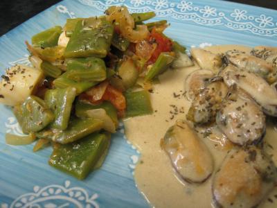 Image : Assiette de moules crèmées aux haricots plats