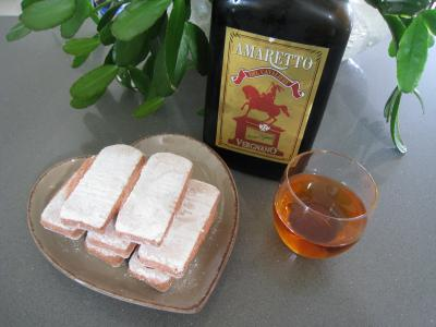 Photo : Amaretto et biscuits de Rheims