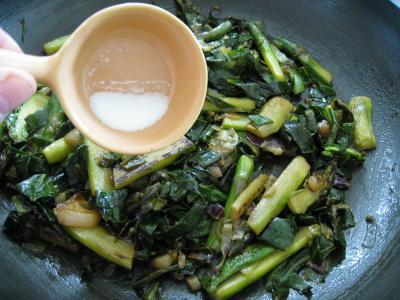 Omelette d'asperges au chou et aux ognasses - 7.2