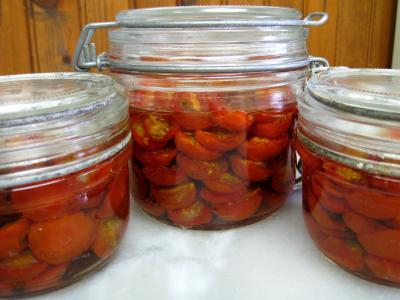 séchage : Pots de tomates-cerise confites