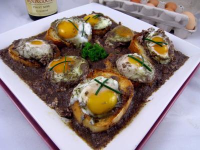 Cuisine bourguignonne : Oeufs en meurette façon bourguignonne