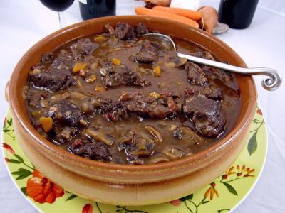 Vin et viandes fiche vin et viandes et recettes de vin - Quel vin pour cuisiner un boeuf bourguignon ...