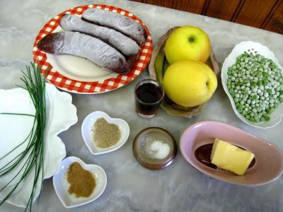 Ingrédients pour la recette : Boudin aux pommes et aux petits pois
