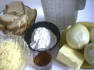 Ingrédients pour la recette : Soupe à l'oignon gratiné