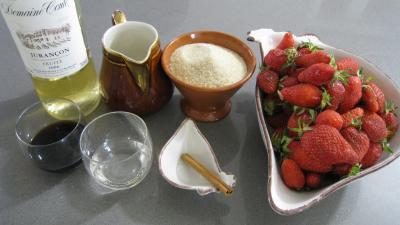 Ingrédients pour la recette : Soupe aux fraises