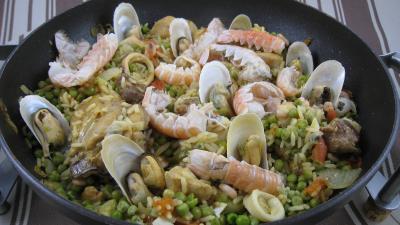 Image : assiette de paella à la valenciana
