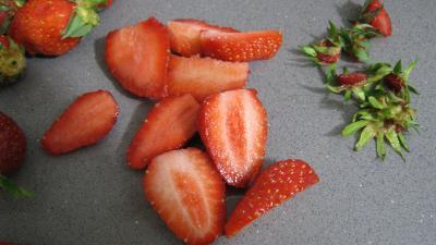 Mousse aux graines de tournesol et son coulis de fraises - 4.2