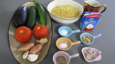 Ingrédients pour la recette : Aubergines aux épices et ces coquillettes