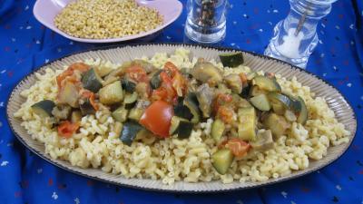 Image : Assiette d'aubergines aux épices et ses coquillettes