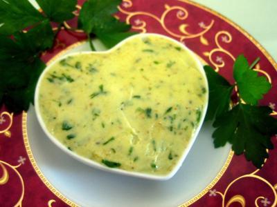 Image : Ramequin de beurre aux herbes aromatiques