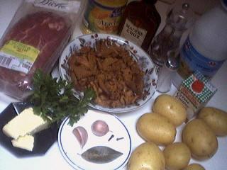 Ingrédients pour la recette : Biche rôtie aux girolles et au Madère
