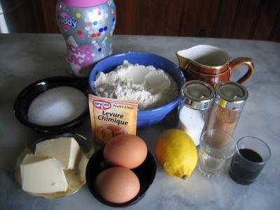 Ingrédients pour la recette : Biscuits chiffrés de mardi gras
