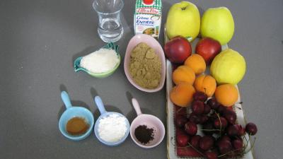 Ingrédients pour la recette : Blanquette aux pommes et aux fruits