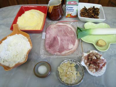 Ingrédients pour la recette : Taloa au jambon et aux girolles façon Basque