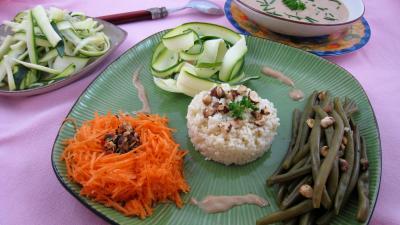 piment de Cayenne : Assiette de salade de haricots verts aux noisettes