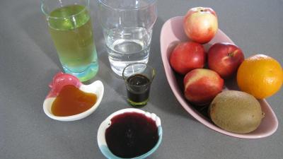 Ingrédients pour la recette : Nectarines vanillées glacées au miel
