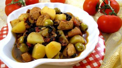 champignon forestier : Saladier de blancs de poulet bastiaise façon Corse