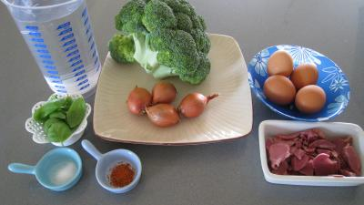 Ingrédients pour la recette : Brocolis aux oeufs en salade