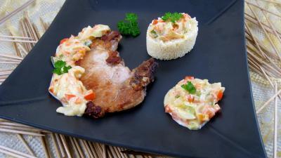 Image : Assiette de côtes de porc au lait de coco