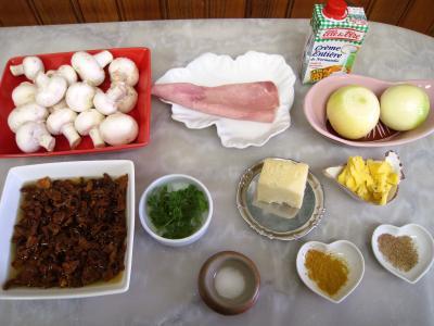 Ingrédients pour la recette : Cassolettes de girolles et de champignons de Paris