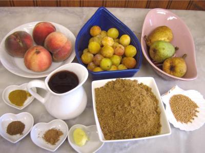 Ingrédients pour la recette : Chutney aux pêches et mirabelles