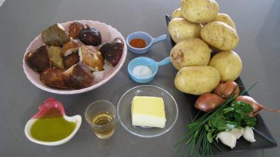 Ingrédients pour la recette : Cèpes aux pommes de terre à la landaise