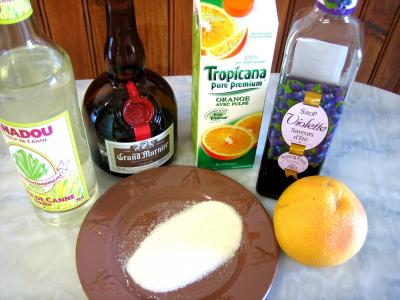 Ingrédients pour la recette : Cocktail à la violette