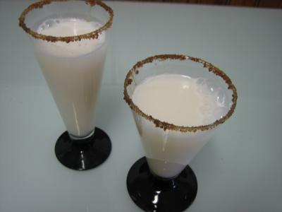 Cocktail gin au lait d'amandes