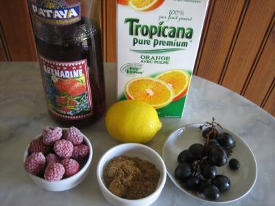 Ingrédients pour la recette : Cocktail raisins et framboises